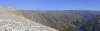 从达古冰山山峰远眺青藏高原