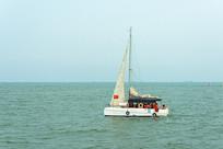 大海风帆游船
