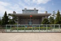北京师范大学主楼和校门