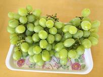 一盘青葡萄