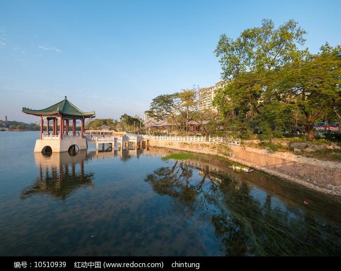 惠州西湖风景区的荔浦风清园林风光图片
