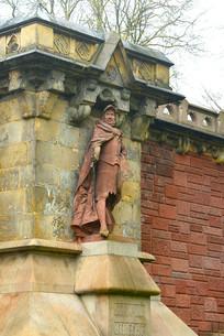 汉堡港桥头的历史人物塑像