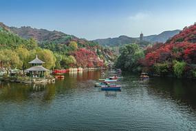 济南红叶谷湖泊风光