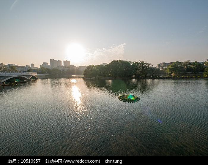 夕阳下的惠州西湖景观图片