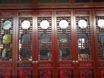 红色古典门