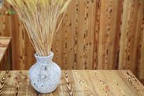 麦穗插花花瓶