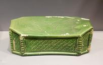 北宋绿釉刻花瓷枕