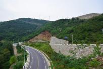 盘山公路风景图