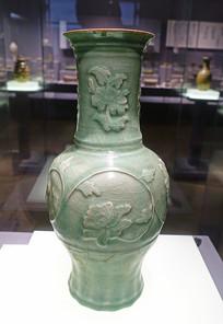 宋代青釉堆花瓷瓶