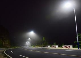 晚上的盘山公路