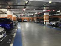 地下停车库