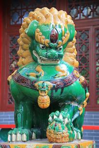 石雕绿釉狮子