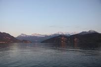 瑞士皮拉图斯雪山湖泊风光