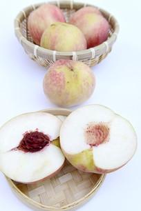 水分充足的脆桃