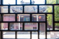 窗外的宁波慈城城隍庙戏台