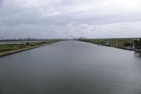 滴水湖河道