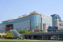 北京西站下沉广场光耀东方大厦