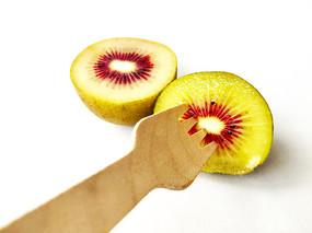 新鲜红心猕猴桃