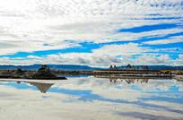 茶卡盐湖边的风景