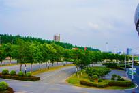 鞍山奥体中心公路车位树木俯视