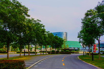 鞍山奥体中心速滑馆与公路车位