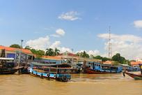 越南九龙江旅游码头和游船