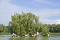 北京龙潭西湖公园湖心岛水景