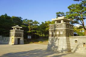 韩国孝园公园仿华城的大门
