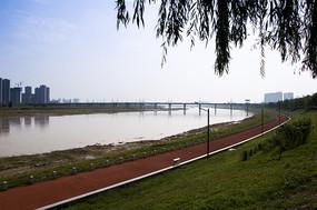 湿地公园红色步道