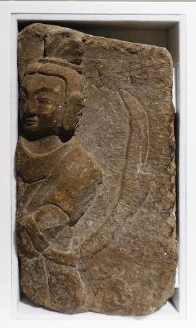 北魏石刻浮雕人像
