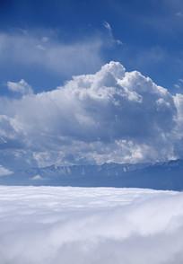 汶川三江盘龙山云海和远山