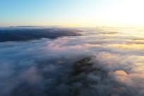 航拍朝阳中的大兴安岭云海