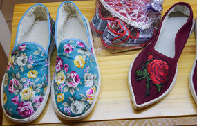 绣花鞋展示