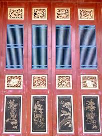 金漆彩绘镂空中式门窗