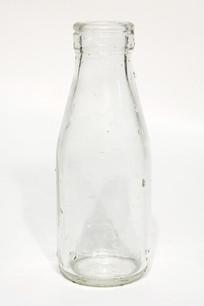牛奶玻璃空瓶