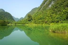 荔波小七孔上己定湖的湖光山色