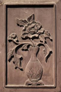 木板雕花牡丹