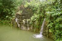 贵州天星天星盆景区的瀑布水池
