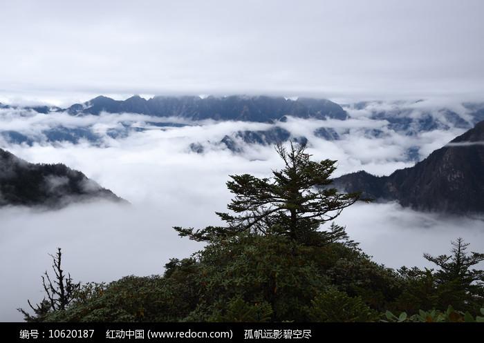 彭州牛坪三口锅的云海图片