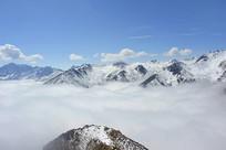 巴朗山云海及雪山