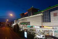 被京华珍珠第一家-北京红桥市场-夜景