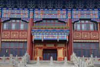上体院主楼雕花门柱