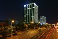 夜幕中的上海中建广场大厦