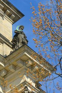 柏林国会大厦建筑装饰人物塑像