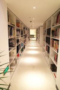 图书馆走廊
