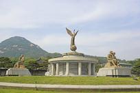 韩国青瓦台广场雕塑