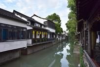 新场古镇的水巷风景