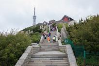 泰山玉皇顶前的石阶