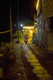 瑶里古镇小巷夜景