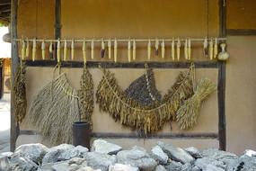 韩国传统农家晾晒食材和农作物